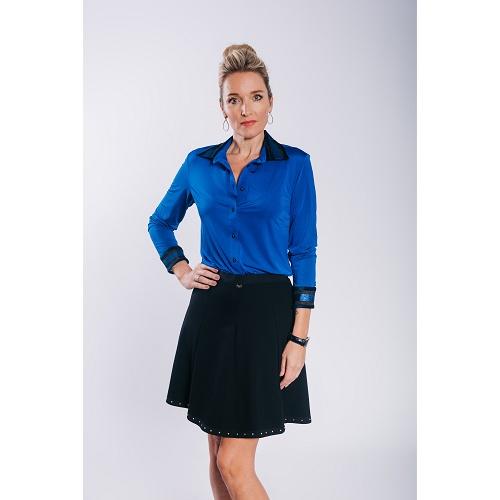 Deze blouse is gemaakt van soepele stof van travel kwaliteit met een pracht 305 ge glans wat de blouse heel ...