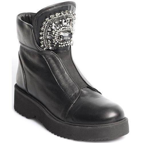 courage flat boot black